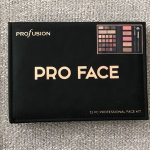 NEW Pro Face 32pc professional face kit